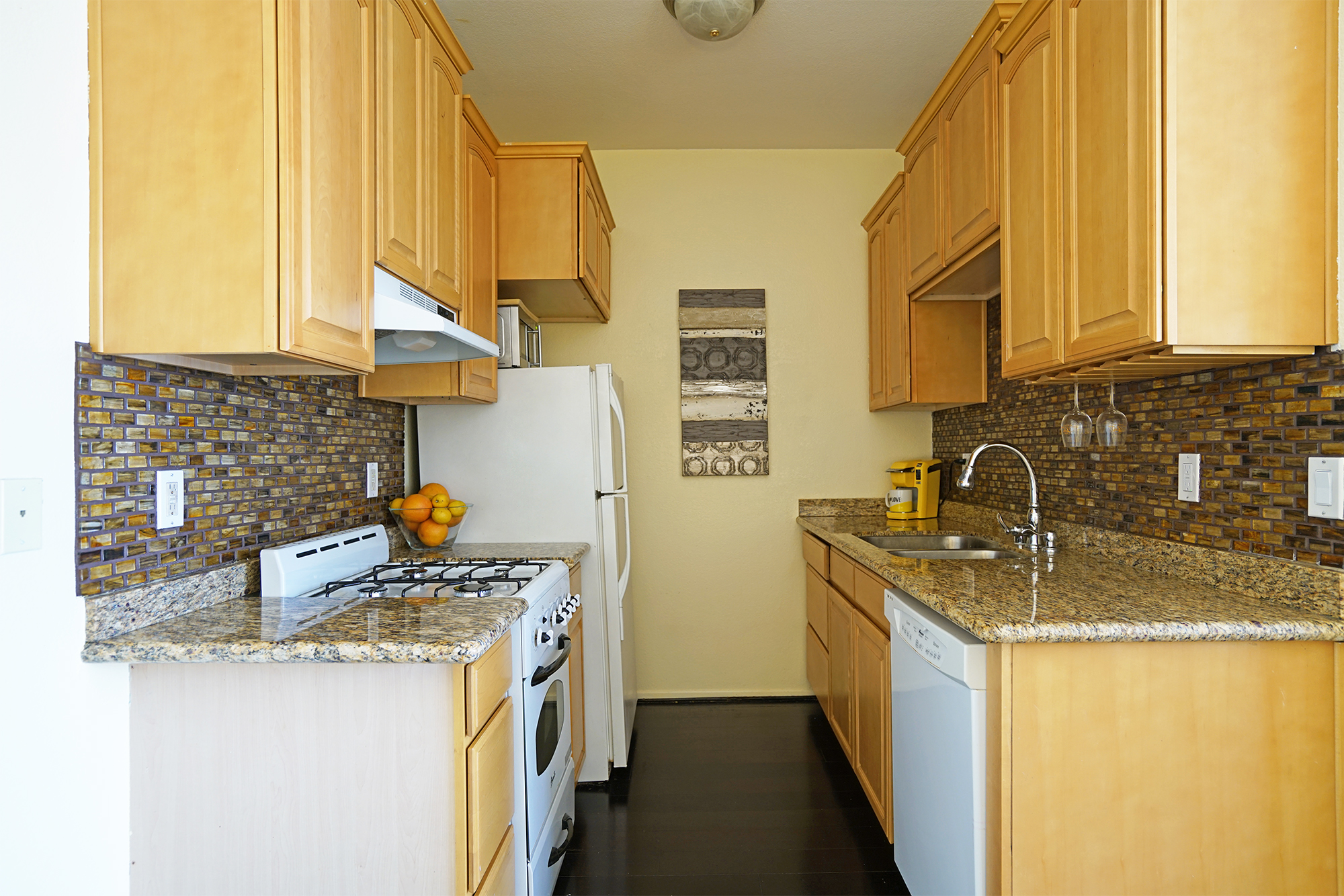 pasadena-condo-kitchen