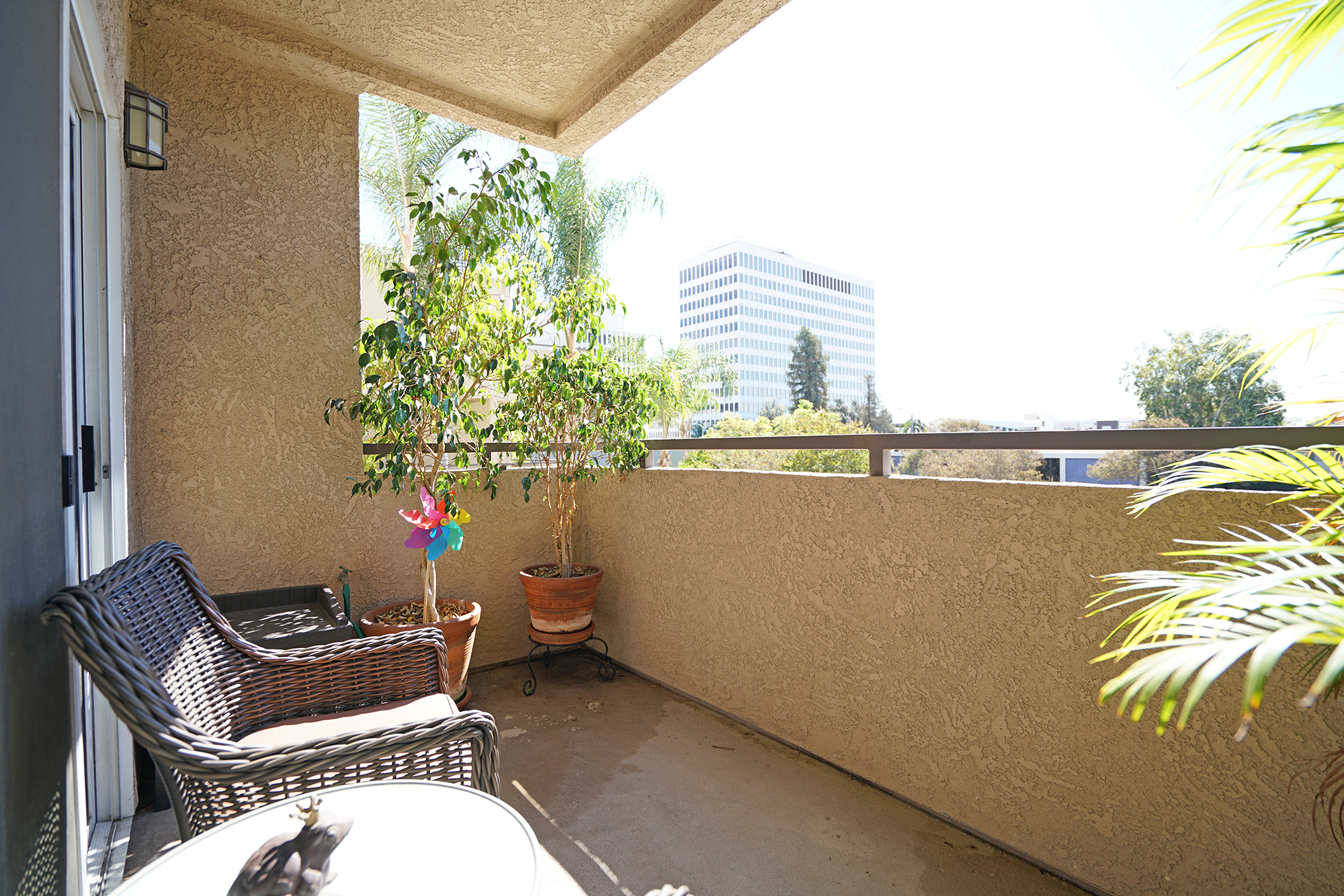 pasadena-studio-condos-for-sale-balcony-patio